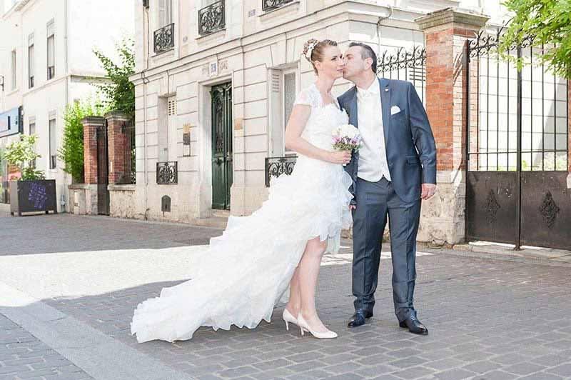 Un mariage en cabriolet gris sous le soleil de Bourg la Reine